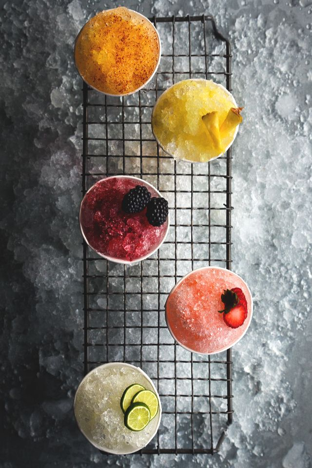 Cocktail Snow Cones | honestlyyum.com