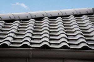 Nouveaux produits bâtiments : ERLUS  La tuile en terre cuite E 58 fête ses 58 ans. Une grande résistance aux intempéries et de nouveaux coloris pour les toitures