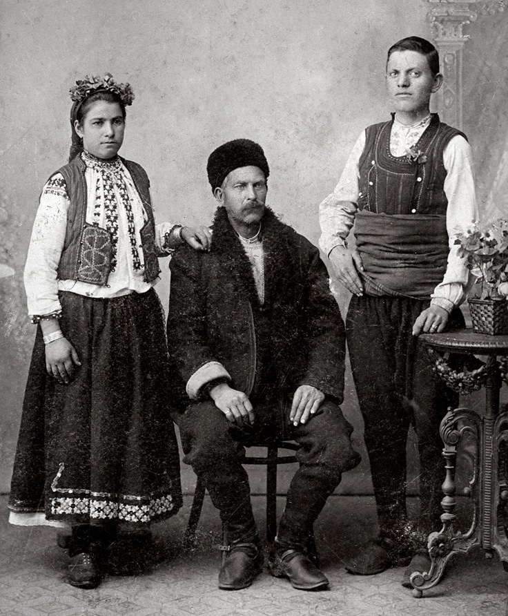Old Ruse costumes