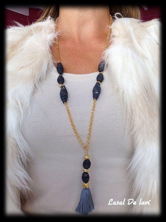 #Collar cuentas papel #Quilling con cascabel #moda #bisutería #jewelry #fashion #accessories #chicas #papel #mujer #girl #handmade #style #pendientes #pulseras