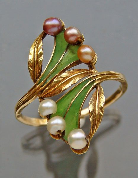 ART NOUVEAU Ring Gold Plique-à-jour Pearl H: 2.6 cm (1.02 in) W: 1.4 cm (0.55 in) Marks: '585' & French Eagle Numbered: '4076' French, c.1900