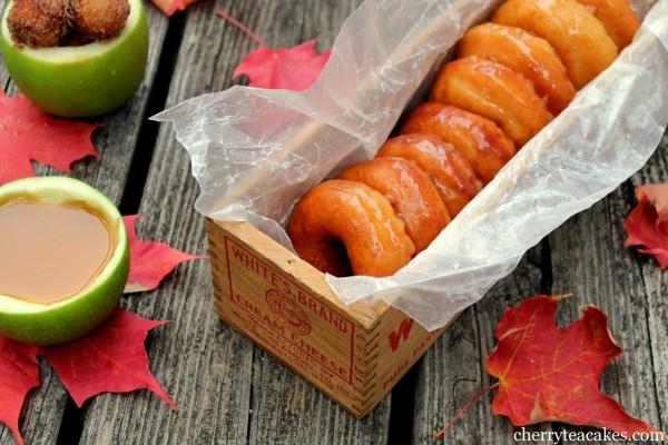 IMG_5982Apples Cider, Glaze Donuts, Cider Glaze, Wedding Desserts, Autumn Wedding, Apple Cider, Apples Recipe, Teas Cake, Fall Wedding