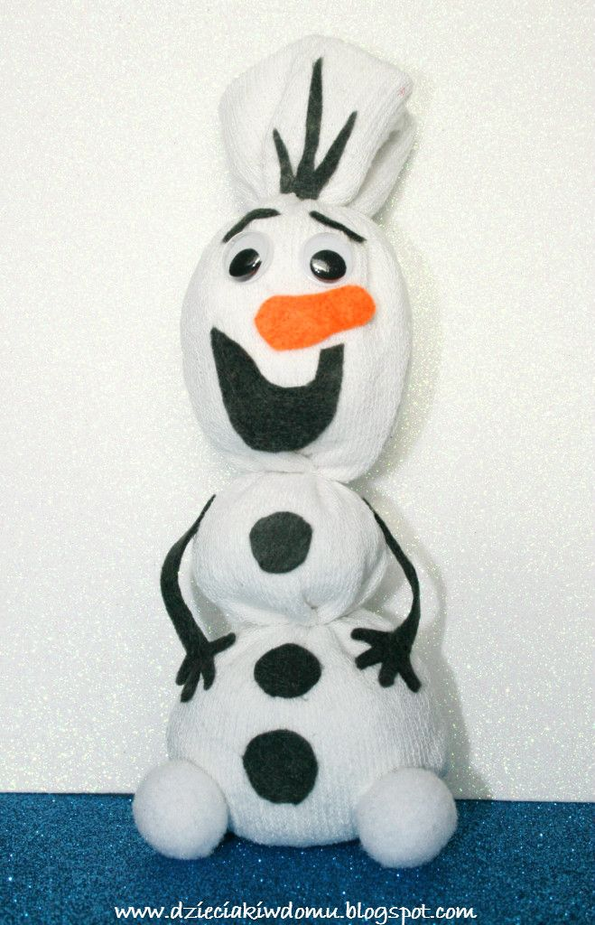 Olaf  - bałwanek http://dzieciakiwdomu.blogspot.com/2014/12/olaf-pluszowy-przyjaciel-ze-skarpetki.html