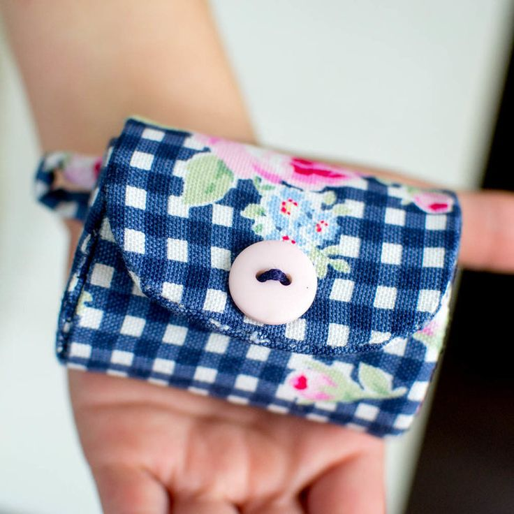 Pinterest UnTutorial Solved... The Little Coin Purse — SewCanShe | Free Daily Sewing Tutorials