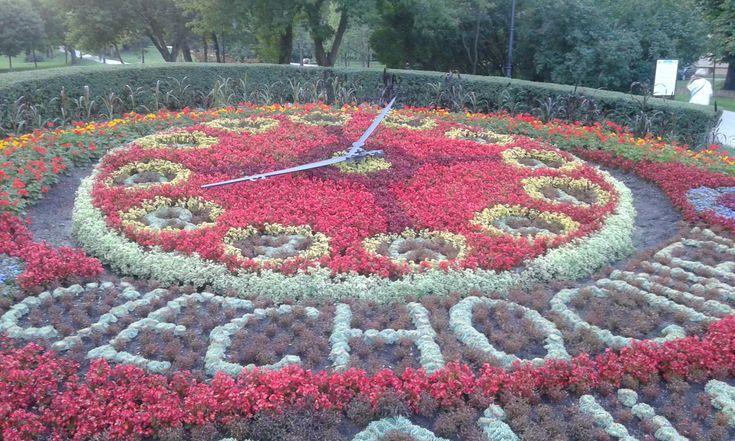 Zdjęcie: Ciechocinek - Zegar z kwiatów