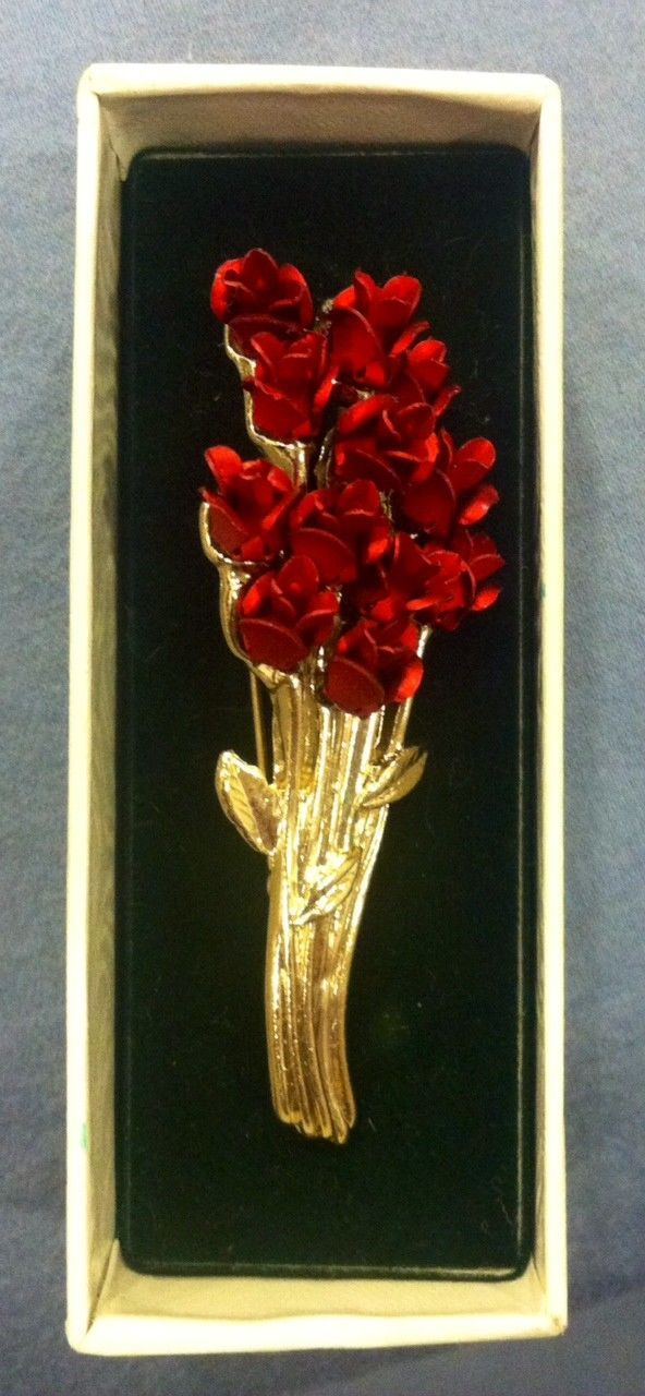 VINTAGE DOZEN RED ROSES on Gold Tone Pin, Danbury Mint for Avon, NEW IN BOX! | Jewelry & Watches, Vintage & Antique Jewelry, Costume | eBay!