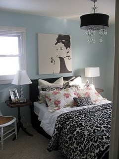 Audrey Hepburn inspiration for teen girl's room? (The picture is available at IKEA)  https://www.justleds.co.za