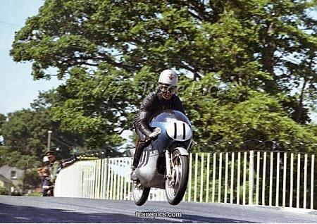 Yoshimi Katayama (Suzuki): 1965 Ultra Lightweight TT