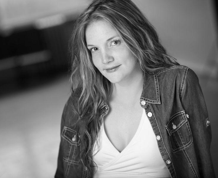 Shannon Taylor as Margot Frank