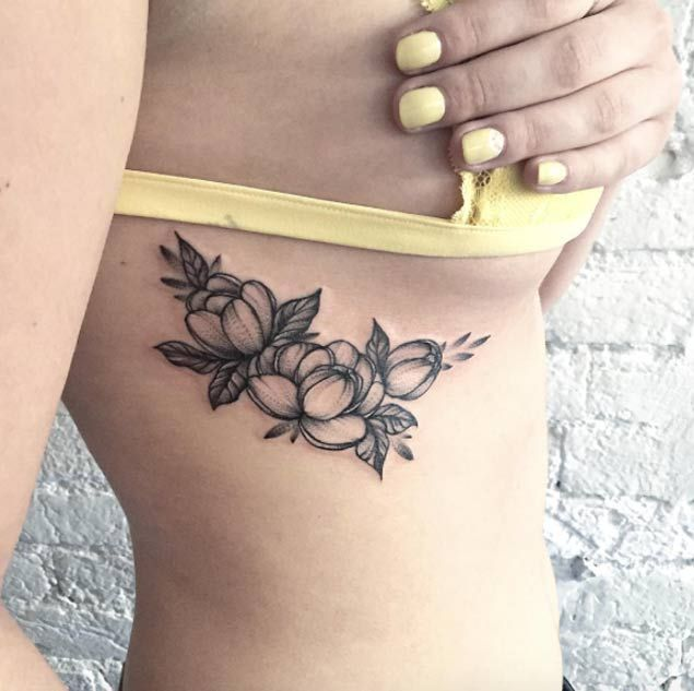 20 Beautiful Black and Grey Ink Floral Tattoos From Sasha Tattooing