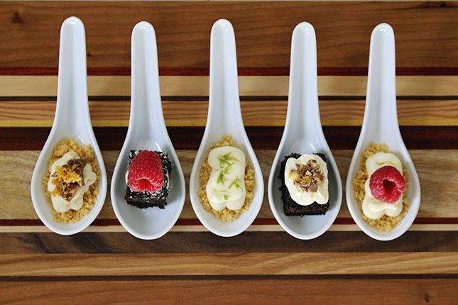 FIVE RECIPES FOR MINI DESSERTS ON SPOONS