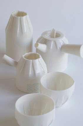 tea set by Anna Uranishi