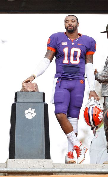 Tajh Boyd's last game in Death Valley I was there it was sooooooooo loud!!!!!!!