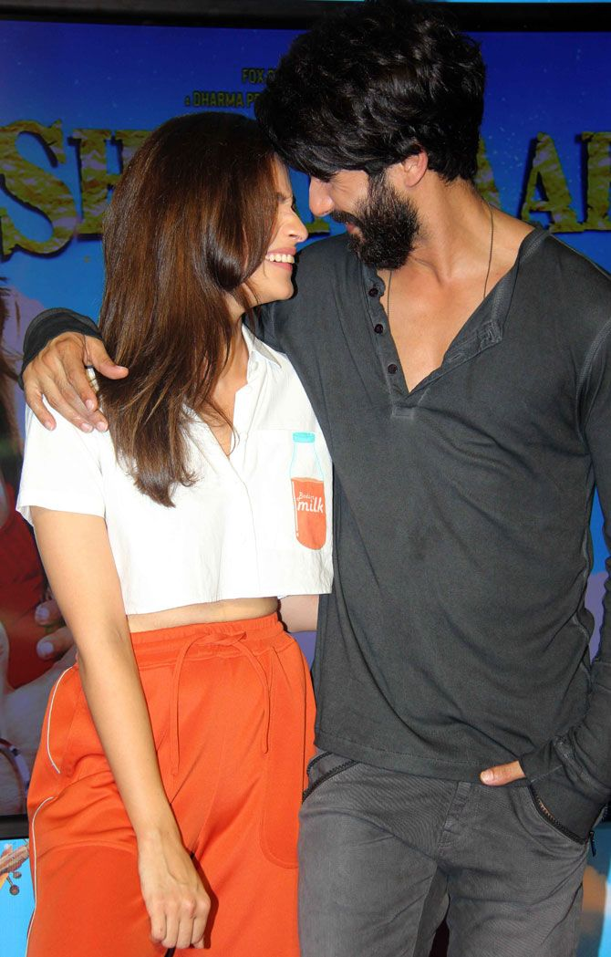 Shahid Kapoor and Alia Bhatt at the launch of #NeendNaMujhkoAaye song from…