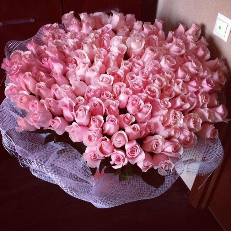 10 best Big Rose Bouquets images on Pinterest | Bouquet of roses ...