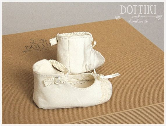 Baby Girl Booties Mary Janes Baby Booties  Silk Toddler by DOTTIKI
