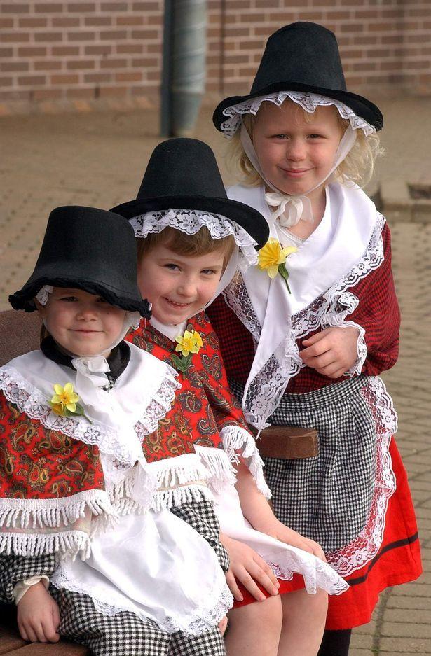 Lucy Williams, Sophie Wellington and Jessica Burton from Litchard Infants School, Bridgend, in 2003
