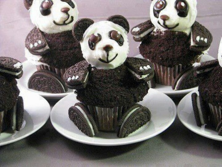 Pandacakes.................. OMG PANDAS AND ORIOS TOGETHER!!!!!!!!!!!!!!!!!!!