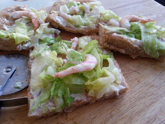 Foodie in Translation: La Rubrica del Lunedì: Pizza fredda ai gamberetti