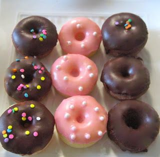 Cute pink mini donut recipe | SugarBaking Blog