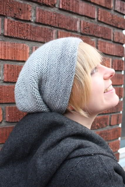 simple stocking stitch slouchy beannie - great starting project for hat knitt...