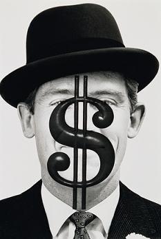 UHNW: individui con ricchezze finanziarie superiori ai 30 milioni di dollari.