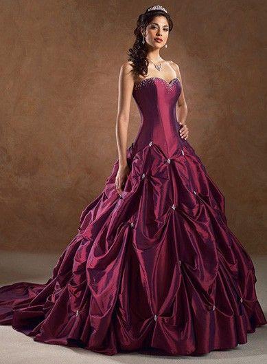 Bordeaux beauty. (Ook in bv wit) Weer zo`n bijzondere jurk ! | Bruidsjurken | Hobbykadoos.nl
