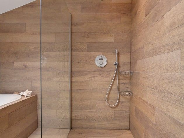 17 best images about salle de bain design on pinterest applique designs ma - Sortie de douche en bois ...