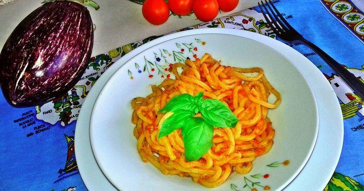 #Макарони з соусом з болгарського перцю і баклажанів (Pasta con crema di #peperoni e #melanzane ) #італійська_кухня #паста #соус