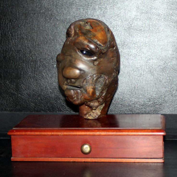 Mounted head