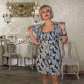 http://www.livemaster.ru/item/13454546-odezhda-sderzhannaya-koroleva  Почти королевский комплект, состоящий из платья и болеро. Платье удачно подчеркивает талию и увеличивает грудь. Болеро с рукавами- фонариками, воротником- стойкой и сутажной вышивкой. Болеро идеально скрывает декальте, если нужен скромный вариант.  Очень приятная к телу эластичная ткань. гербовый рисунок и золотое шитье - удачное сочетание. Ткань: костюмный жаккард. Состав: 40% Вискоза, 59% Полиэстр, 1% Эластан