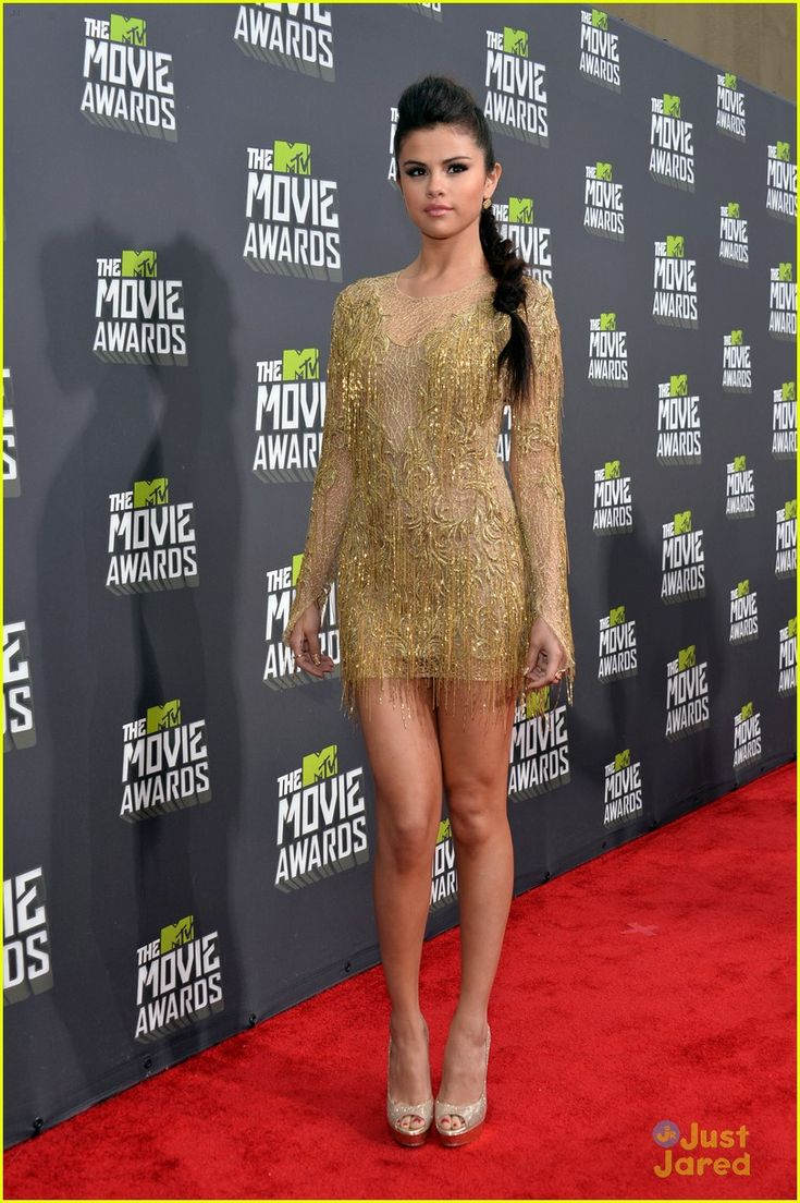 selena gomez mtv movie awards 10, Selena Gomez glitters on the red carpet at the 2013 MTV Movie Awards held at Sony Pictures Studios on Sunday (April 14) in Los Angeles.    The 20-year-old actress/singer,…