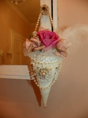 Bridal lace tussie mussie