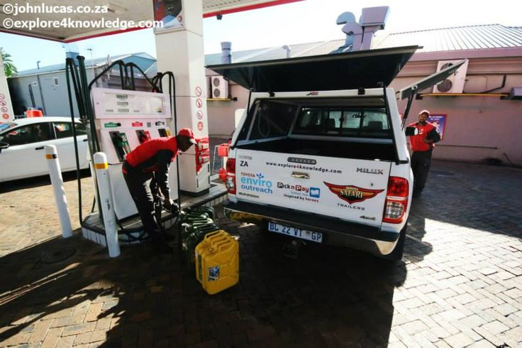 Filling the #explore4knowledge #Toyota #Hilux #research vehicles at #Total #South #Africa for the #e4k_water #Environmental #Education and #Research projects along the #OlifantsRiverWC designed and managed by #e4k_JohnLucas