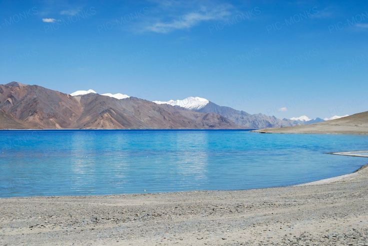 Amongst the bluest picnic spots you'd find anywhere in India! The Nubra Valley is known for these beautiful vistas and pristine water.
