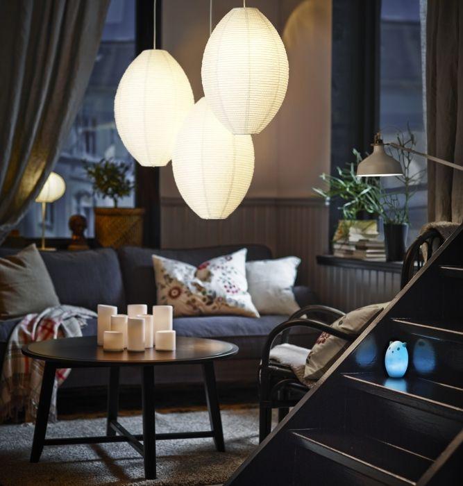 Die SOLLEFTEÅ Hängeleuchtenschirme schaffen in einer Dreier-Gruppe eine besonders schöne Atmosphäre. . Hej Herbst, Zuhause wird's gemütlich! | hej.de