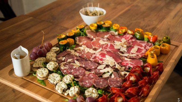 """- Apéritif dînatoire -  Francis de Limoges vous propose sa recette de """"Planche gourmande"""" à partager entre amis ou en famille."""