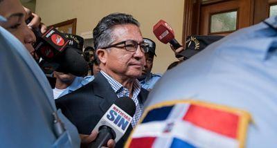 Interrogarán mañana al exsecretario de las FFAA Rafael Peña Antonio por caso Super Tucano SANTO DOMINGO. El exsecretario de las Fuerzas Armadas Rafael Peña Antonio será interrogado este jueves por su vinculación en los sobornos de US$3.