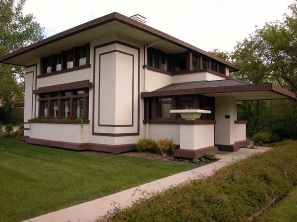 DREAM. Thinking back on our personal tour of this house still makes me tingly all over.  FLW Stockman House  Mason City, Iowa