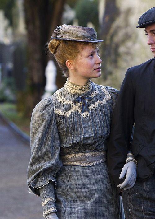 Mia Wasikowska as Helen Dawes in Albert Nobbs (2011).