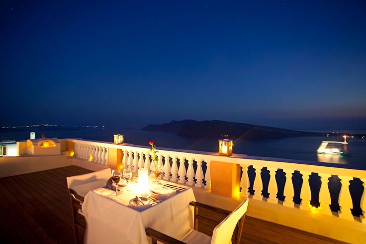 Why dine out when you can dine in the privacy of your own house, with spectacular Caldera views & your exclusive chef? Oia village, Santorini island, Greece - selected by www.oiamansion.com