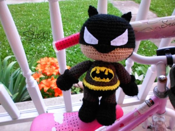 Free Batman Crochet Pattern....could even change the colors and make it a Batgirl? Nat would LOVE!