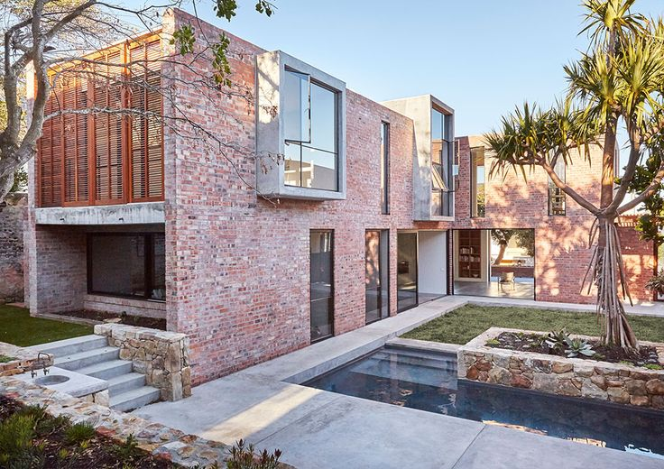 Brick and concrete house by Beattyvermeiren architects, South Africa, courtyard view