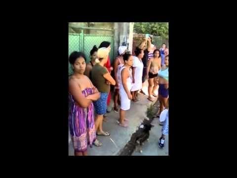 Cuba video #TodosMarchamos: Dama de Blanco Lucinda Gonzalez es defendida por la población. - Cuba Democracia y Vida