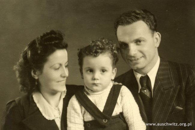 On March 18, 1944 at 11 am at Auschwitz camp Registry Office that usually prepared prisoners' death certificates, an Austrian mechanic Rudolf Friemel (camp no. 25173) married Margarita Ferrer who came to the camp for one day and night from Germany where she was a force laborer. She brought her son Edi with her. It was the only case of a prisoner getting a permission to get married in the camp.