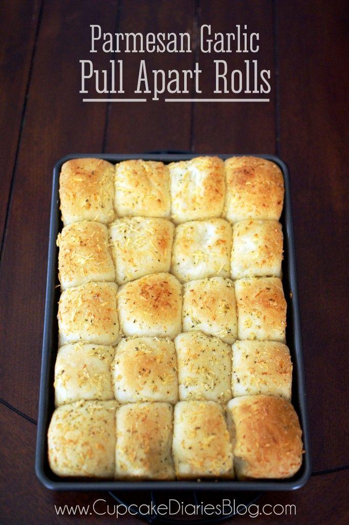 Easy Parmesan Garlic Pull Apart Rolls using Rhodes bake-n-serve rolls| CupcakeDiariesBlog.com