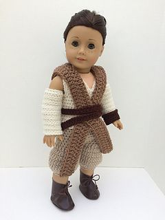 Before I even saw the new Star Wars: The Force Awakens movie, I was absolutely obsessed with Rey. She seemed so cool and mysterious and like a character that would always be loved and remembered. So in October of 2015 I set to work on designing a Rey outfit for my American Girl Dolls.