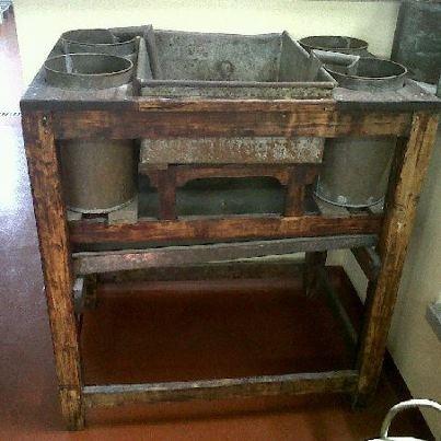 Antichissimo Filtro per l'Olio...si può vedere al Frantoio!! www.oliotrevi.it