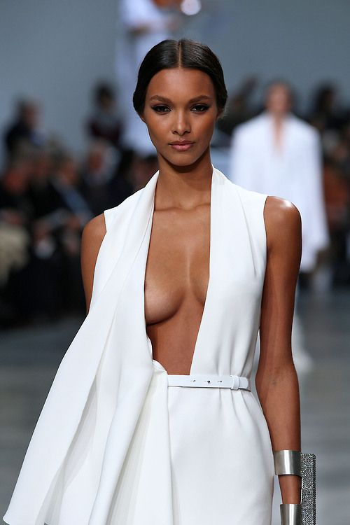 fashizblackdiary:  Lais Ribeiro for Stephane Rolland Haute Couture (spring/summer 2013 collection).