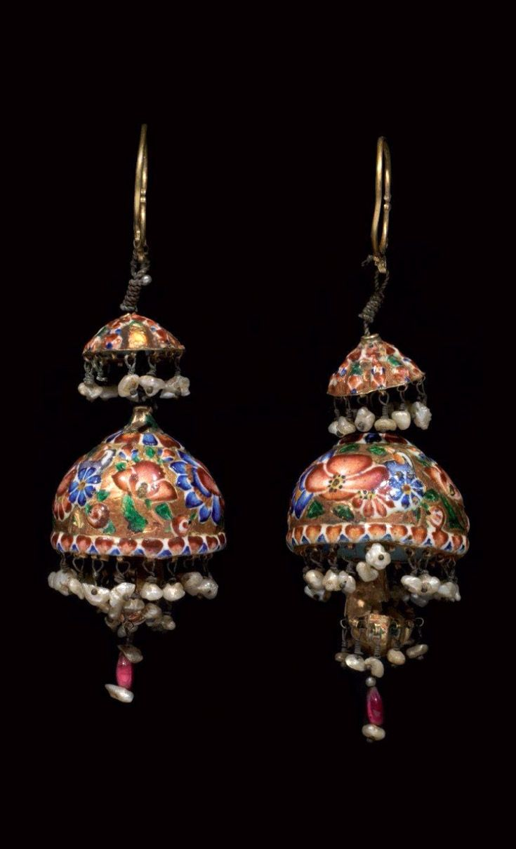 Iran   Pair of Qajar earrings; enamel and pearls   ca. 1835   1'890€ ~ sold (Dec '11)
